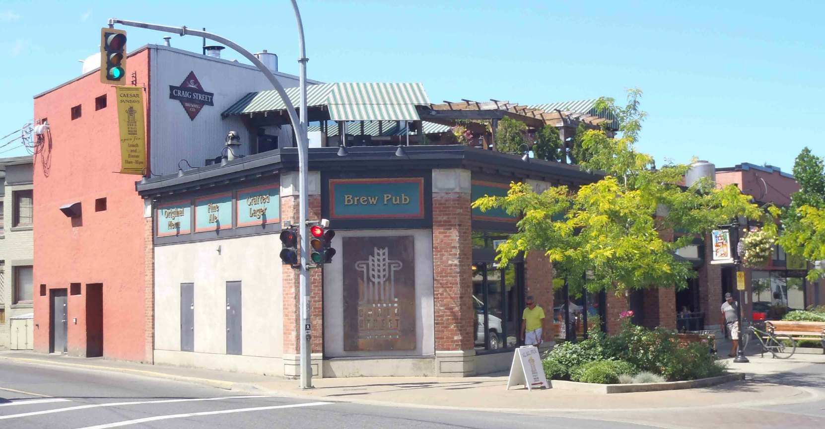 Craig Street Brew Pub, 25 Craig Street. Powel's Men's Wear occupied this building 1972-2004